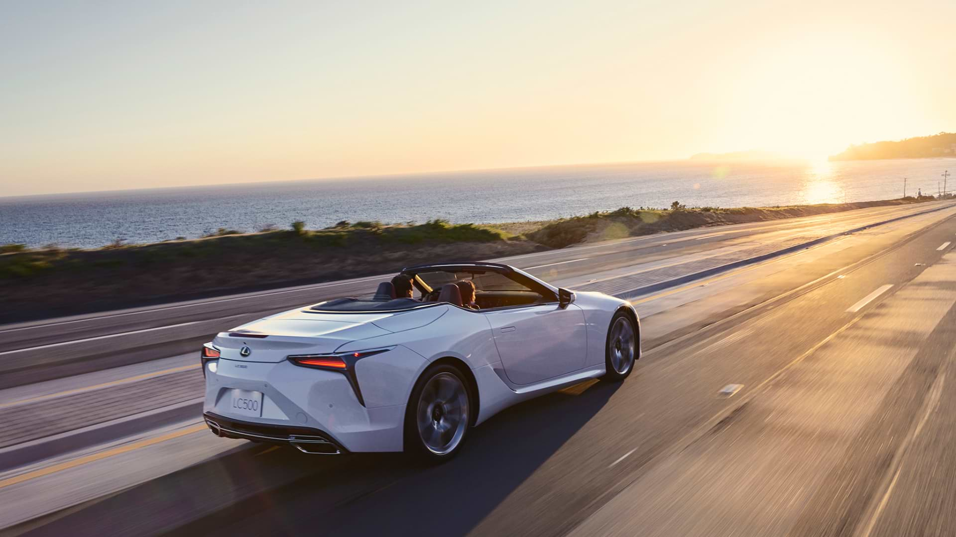 LC 500 Convertible in White Nova